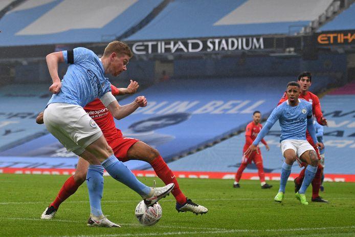 De Bruyne met de assist voor de 0-2 van City tegen Birmingham.