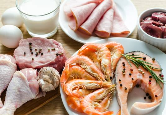Kies in plaats van varkensvlees, rundvlees of schaap eens kip, vis of schaaldieren, luidt het advies.