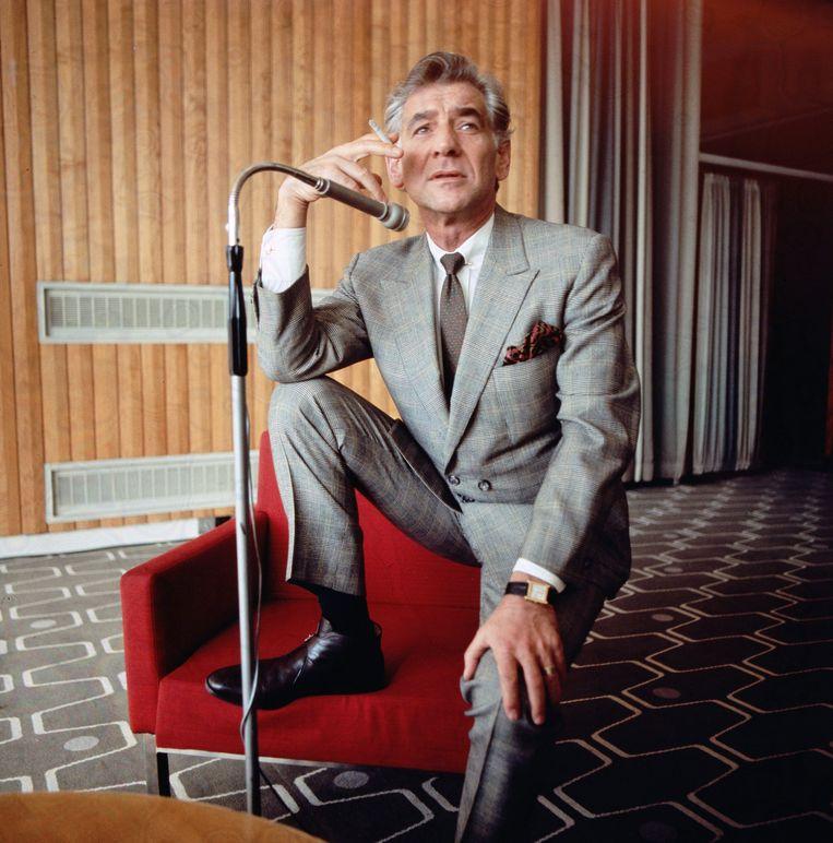 Leonard Bernstein in februari 1970, in de Queen Elizabeth Hall te Londen. Beeld Getty