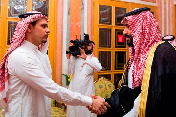 Zoon Salah Khashoggi schudde  op 23 oktober 2018 (drie weken na de moord op zijn vader) de hand van de vermoedelijke opdrachtgever, de Saudische kroonprins  Mohammed bin Salman. Het staatspersbureau verspreidde daar beelden van.