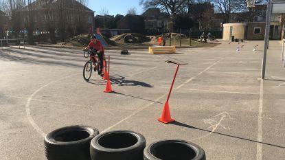 Fietsambassade leent parcours uit om kinderen te leren fietsen