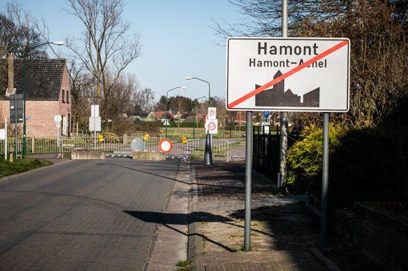 Grensovergang  in de Schootstraat in Hamont.