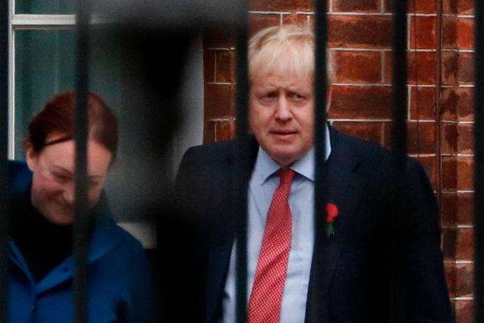 Boris Johnson geeft geen reden waarom hij het alarmerende rapport geheim wil houden.