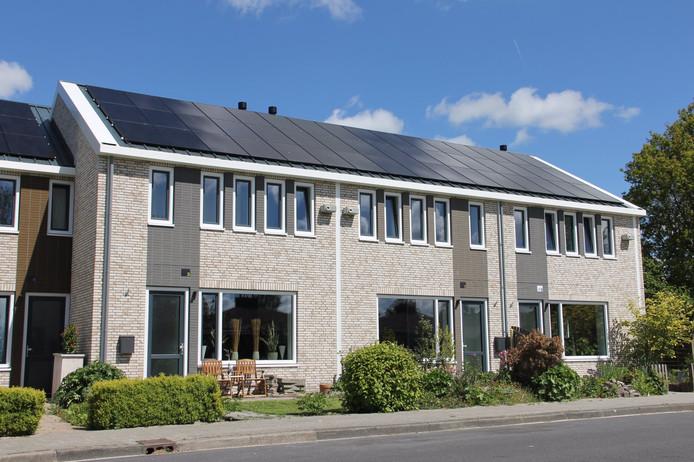 Renovatieproject van Rc Panels in Grijpskerk: na afloop, inclusief nieuw dak met zonnepanelen.