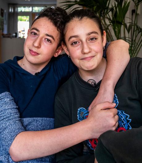 Asielkinderen Lili en Howick keren terug op school in Amersfoort