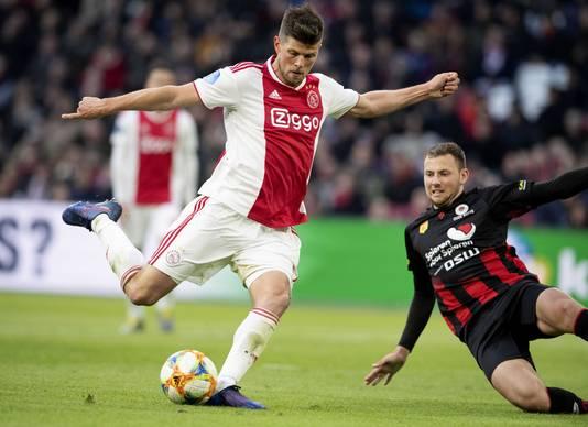 Klaas-Jan Huntelaar maakt de 5-1.