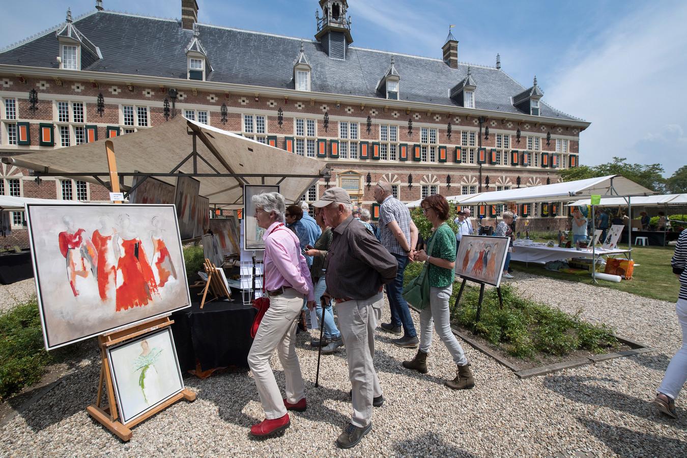 De tuinen van het marachusseemuseum worden steeds meer gebruikt voor evenementen zoals de BetuwsBuren en de Kunstmarkt.