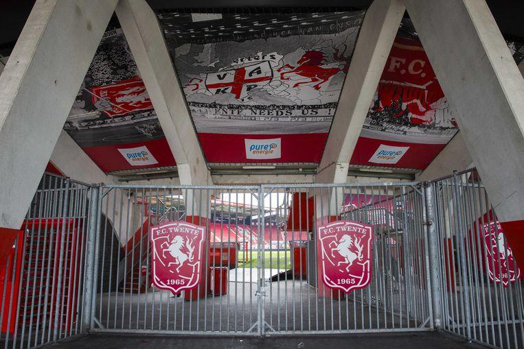 De ingang van Vak P van stadion De Grolsch Veste, waar de fanatieke fans van FC Twente normaal de wedstrijden volgen.  Beeld ANP