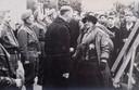 Koningin Wilhelmina op bezoek in Oostkapelle, 15 maart 1945.