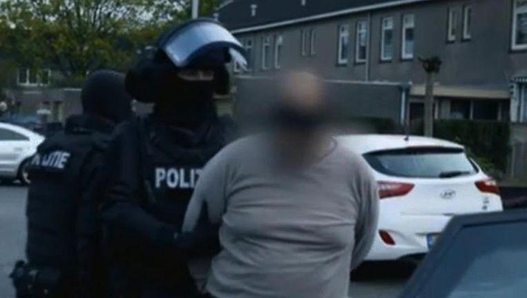 De arrestatie van Samir O., zoals die woensdagavond te zien was in Onder de Radar Beeld KRO-NCRV