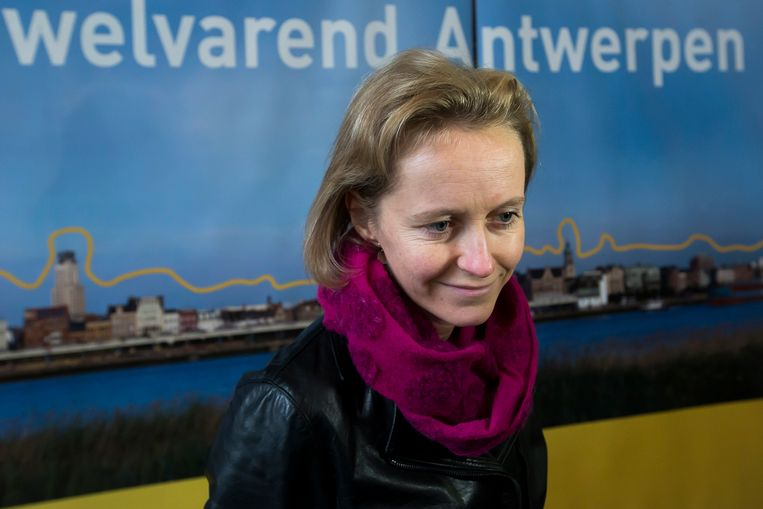 Annick De Ridder, eerste vrouwelijke havenschepen ooit in Antwerpen.