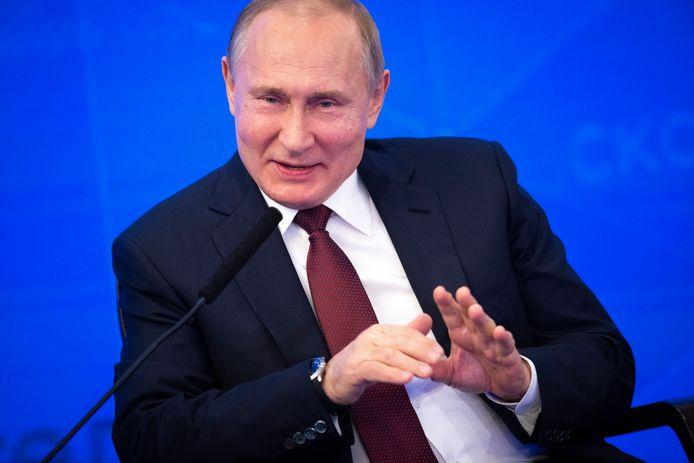 De afkondiging van de twee wetten komt op de dag dat Rusland de vijfde verjaardag viert van de aanhechting van het Oekraïense schiereiland de Krim, iets wat door de internationale gemeenschap als annexatie wordt veroordeeld. In beeld, de Russische president Vladimir Poetin.