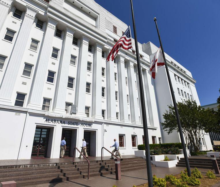 Het wetsontwerp werd begin mei al goedgekeurd door het Huis van Afgevaardigden, gisterenavond werd het ook makkelijk goedgekeurd in de Senaat van Alabama, met 25 stemmen voor en 6 tegen.