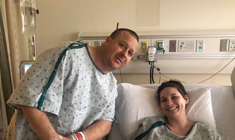 Patiënt en donor in het ziekenhuis waar de niertransplantatie plaatsvond.