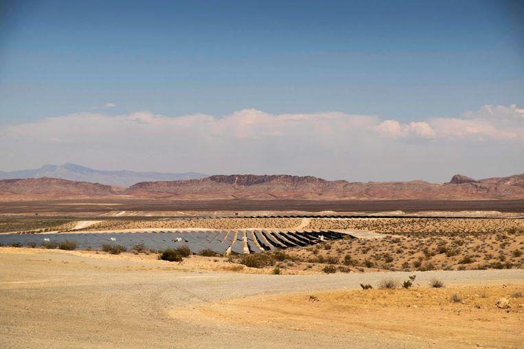 Zonnepanelen in het reservaat van de Moata Paiute-stam. Beeld Eline van Nes