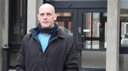 """'Den ollander' uit 'Eigen Kweek' komt zich in rechtbank verontschuldigen voor alcoholgebruik: """"Besef dat het fout was"""""""