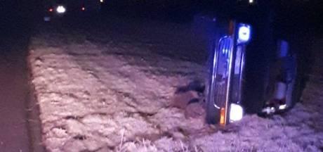 Man onder invloed belandt met auto op kant langs A73