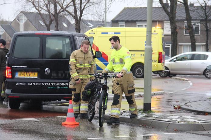 De fietser hoefde niet met de ambulance mee naar het ziekenhuis.