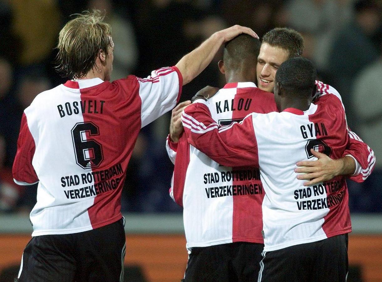 Bosvelt, Kalou, Paauwe en Gyan vieren een doelpunt.