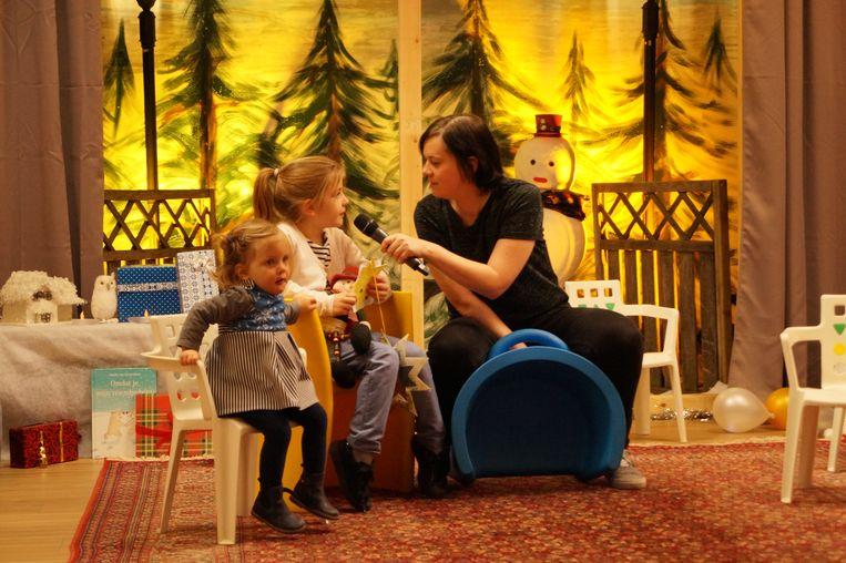 Tientallen kinderen lieten in Tielt opnieuw hun nieuwjaarswensen inblikken door SartoTV.