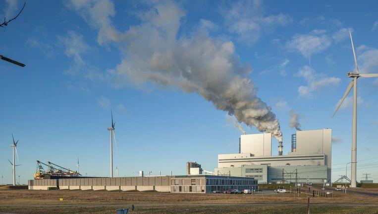 De nieuwe kolencentrale van RWE in de Groningse Eemshaven. Beeld null