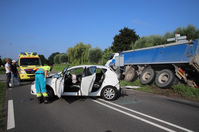 Ongeluk op de N206 tussen Stompwijk en Zoeterwoude.