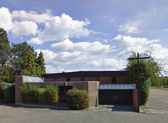 De Sint-Jan Berchmanskerk werd in 1963 door pastoor Jozef Poels gebouwd. Sindsdien staat ze te boek als 'de kerk van Poelske'.