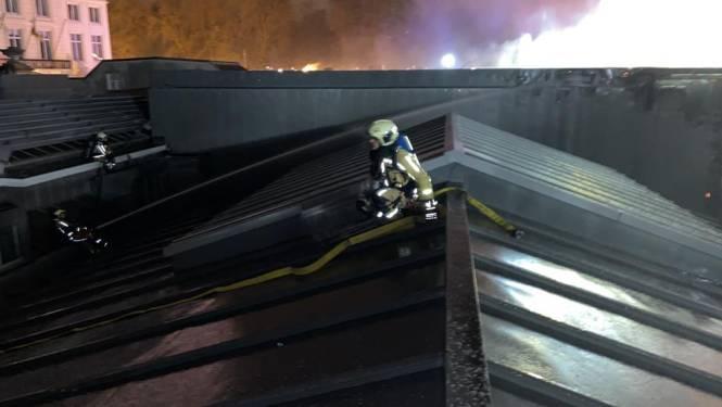 Brandweer blust tot middernacht, Bozar zeker een week dicht