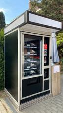 De zaak heeft zelfs een sushi-automaat waar je dag en nacht kan afhalen.
