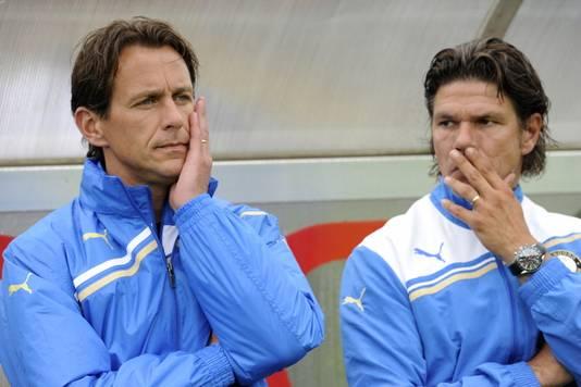 Interim-trainers Leon Vlemmings (l) en Patrick Lodewijks.
