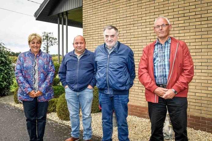 De nabestaanden van Lena, met als derde van links Gerard Vandersanden.