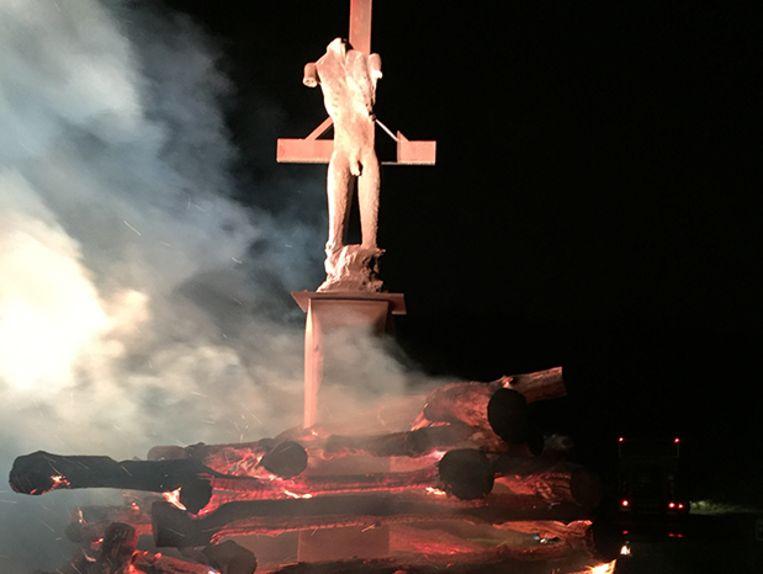 Het kunstwerk 'A.R. (Fireritual)' van beeldhouwer Johan Tahon uit Menen.