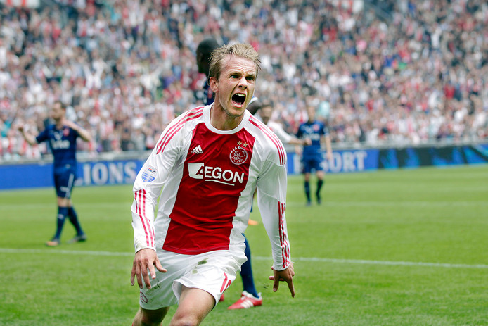 Siem de Jong juicht na zijn goal in de kampioenswedstrijd tegen FC Twente op 15 mei 2011.