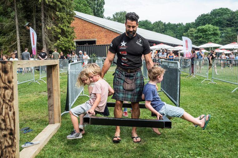 Jong en oud leefde zich uit op een spetterende editie van de Highland Games.