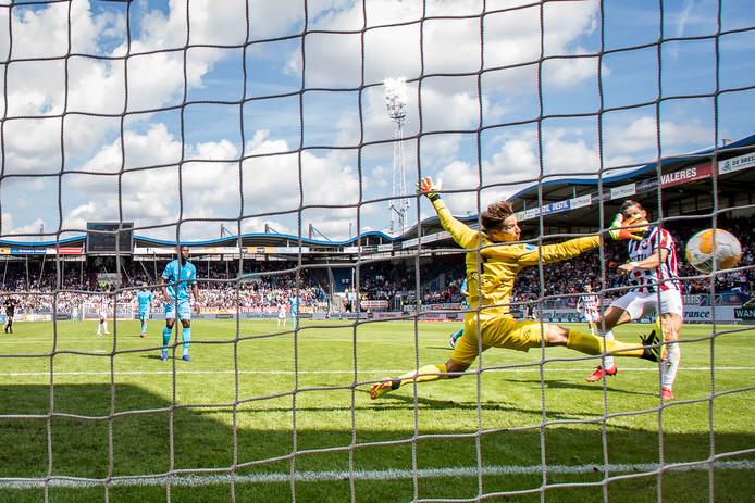 Fran Sol, scorend tegen Heracles, kan de eerste speler worden in de geschiedenis van Willem II die vijf opeenvolgende eredivisiedoelpunten voor zijn rekening neemt.