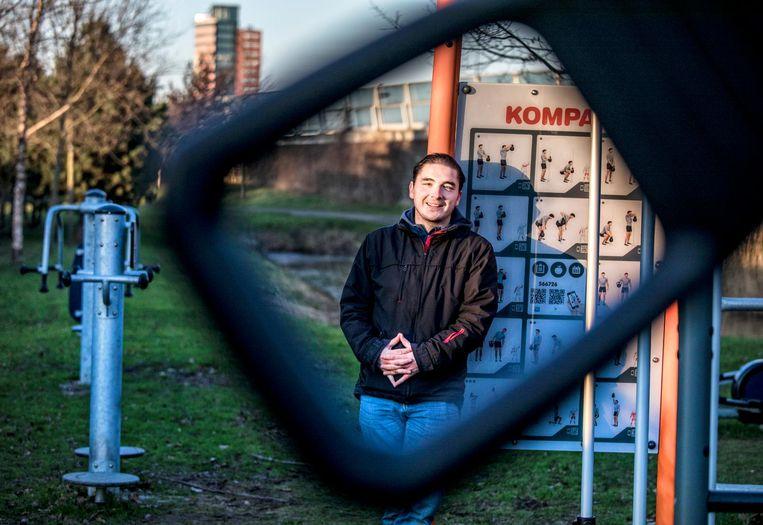 Jaap Rutten bij zijn Buiten Fitness project Kompas in het Overbos in Prinsenbeek Beeld null