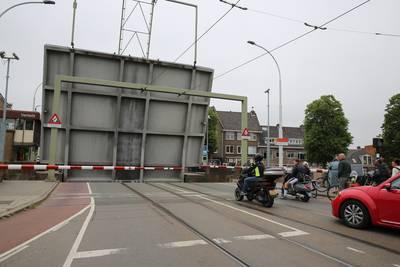 Geestbrug in Rijswijk weer open na storing [update]