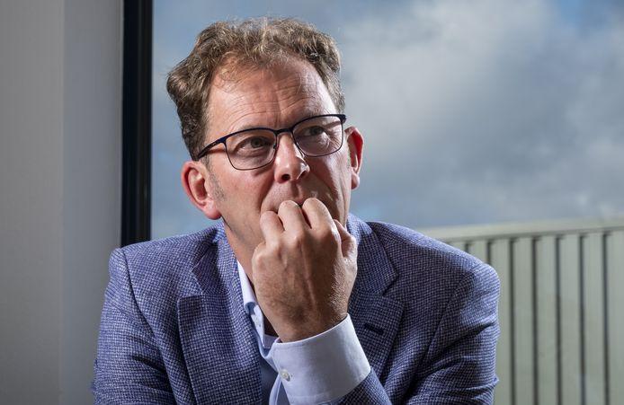 Locoburgemeester Wolbert Meijer maakt zich zorgen nu het coronavirus opnieuw oplaait in Heerde.