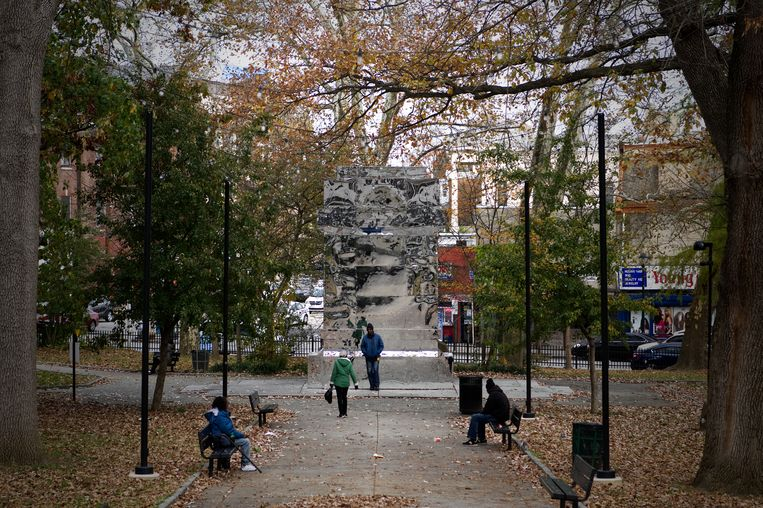 De installatie The Battle is Joined van Karyn Olivier, in het Vernon Park in Philadelphia. Beeld NurPhoto via Getty Images