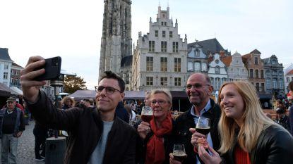 Weergoden verwennen bezoekers van zevende 'Bier Festival': meer dan 10.000 liefhebbers zakken af naar Grote Markt