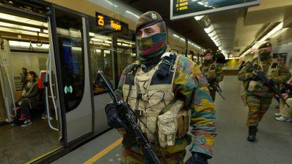 """Militairen in stations verdwijnen vanaf september tot ergernis van politievakbond: """"Agenten zijn nu al uitgeperste citroenen"""""""