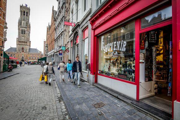 In het straatbeeld zijn veel minder toeristen te zien dan andere jaren.