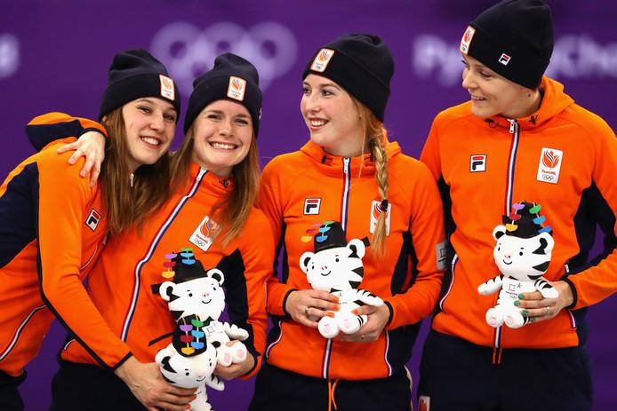 De Nederlandse relay-ploeg pakte olympisch brons in het shorttrack.