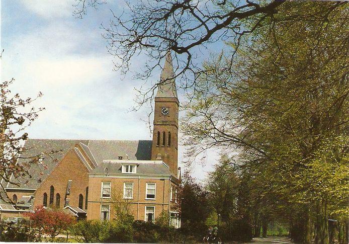 De voormalige RK kerk, O.L. Vrouw Tenhemelopneming, aan de Kerkweg in Klarenbeek. Sinds 2016 is dit  Het Boshuis.