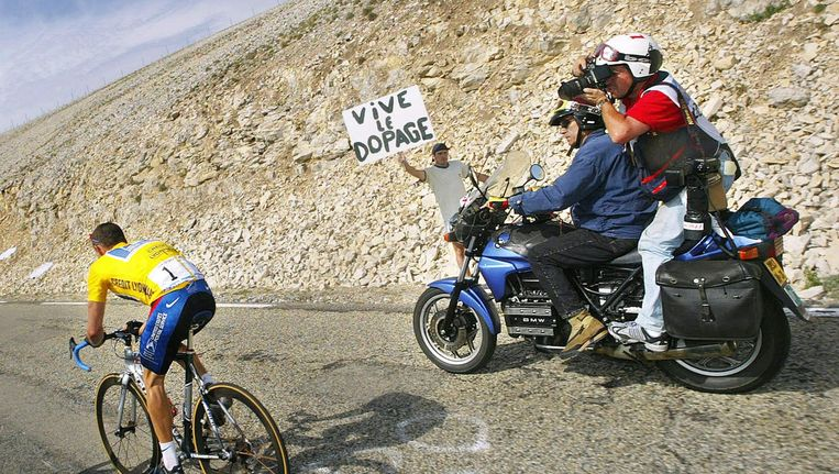 Lance Armstrong op de Mont Ventoux. Beeld epa