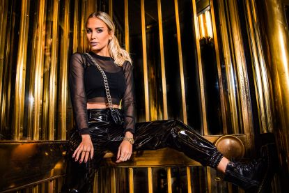 Anouk Matton overtuigt Cyndi Lauper met remake 'Girls Just Wanna Have Fun'