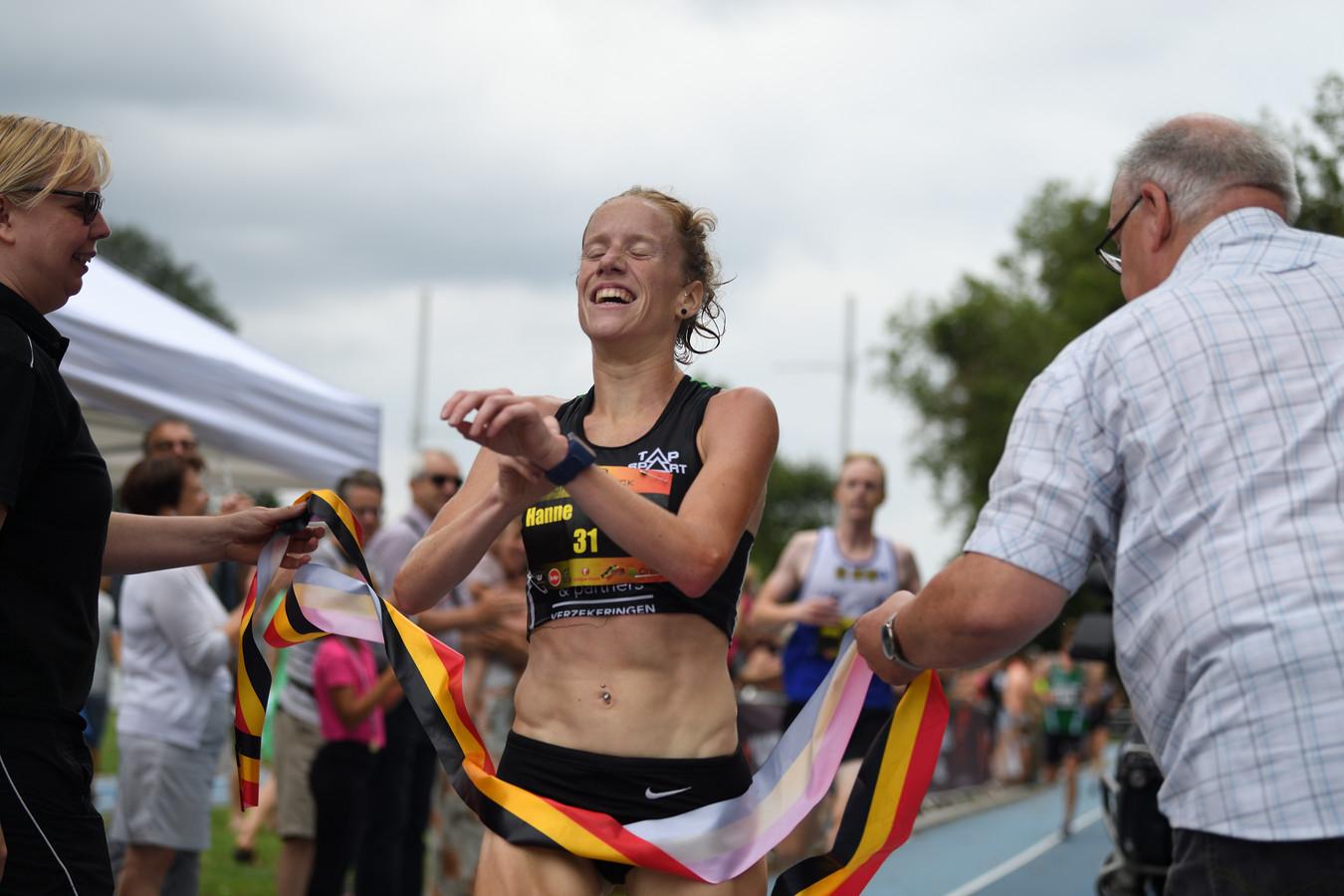 Hanne Verbruggen kroonde zich vorig jaar tot Belgisch kampioene in Lokeren op 3 augustus. Zondag is ze opnieuw één van de favorieten.