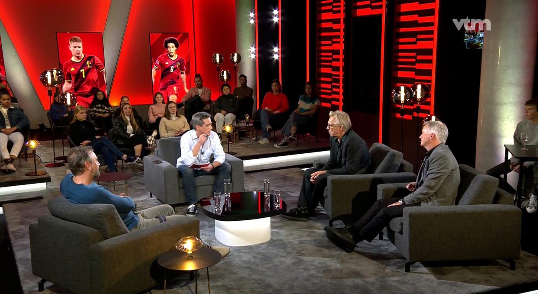 Stef Wauters met zijn gasten Jan Mulder, Marc Degryse en Tom Waes. Beeld VTM