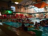 Een heel zwembad vol bij eerste Aquabios in Golfbad Oss