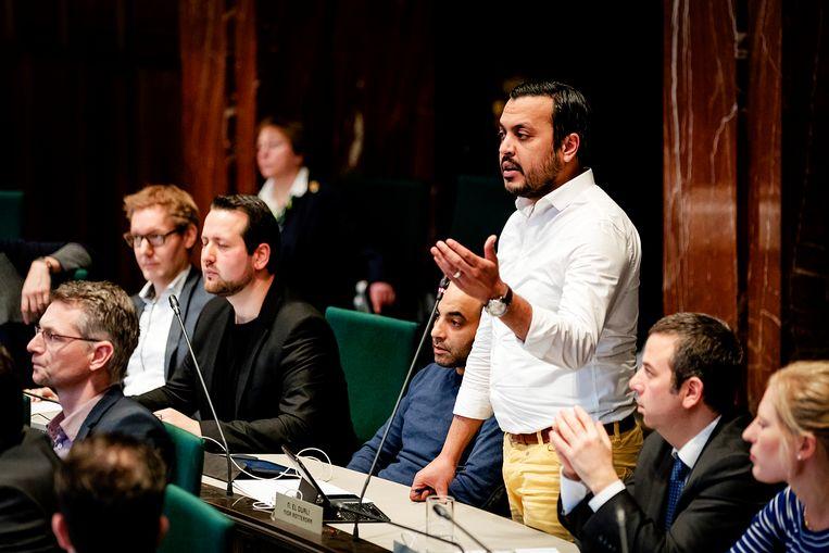 Nourdin el Ouali tijdens een debat van de Rotterdamse gemeenteraad over de uitspraak van burgemeester Aboutaleb dat elke moslim een beetje salafist is'. Beeld Hollandse Hoogte /  ANP